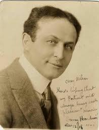 el análisis grafológico de Harry Houdini coge carrerilla
