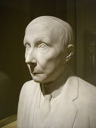 El análisis grafológico de John Rockefeller es interesado.