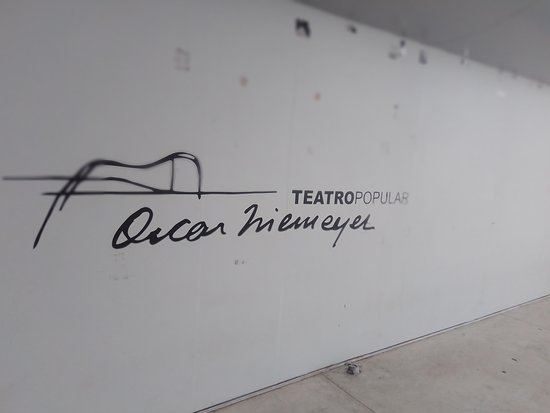 El análisis grafológico de Óscar Niemeyer es minimalista.